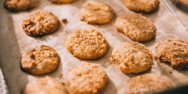 A picture of baked cookies