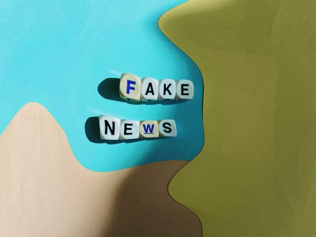 Distorted image of Fake News written in boggle letters. Highlights the deceptiveness of Fake News